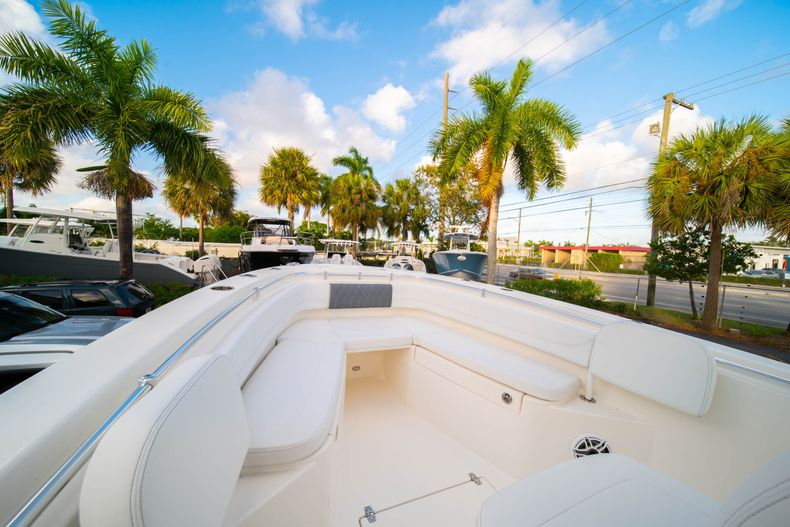 Thumbnail 37 for New 2020 Cobia 262 CC Center Console boat for sale in West Palm Beach, FL