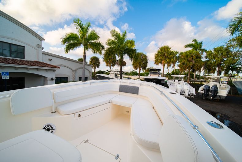 Thumbnail 35 for New 2020 Cobia 262 CC Center Console boat for sale in West Palm Beach, FL