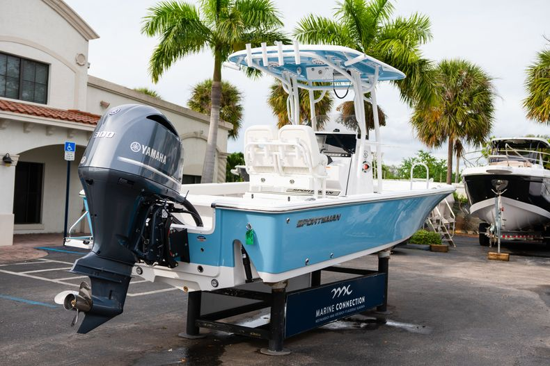 Thumbnail 7 for New 2020 Sportsman Masters 247 Bay Boat boat for sale in Vero Beach, FL
