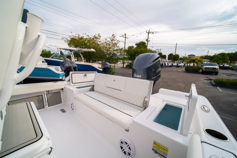 Thumbnail 12 for New 2020 Sportsman Masters 247 Bay Boat boat for sale in Vero Beach, FL