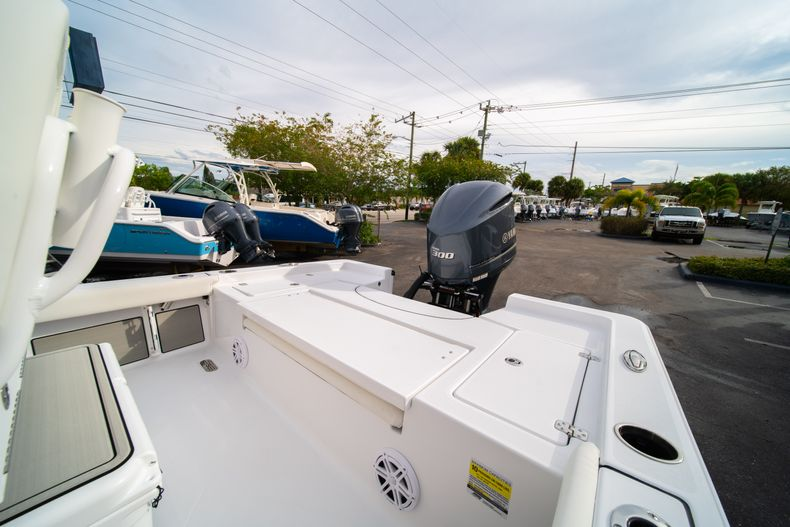 Thumbnail 11 for New 2020 Sportsman Masters 247 Bay Boat boat for sale in Vero Beach, FL