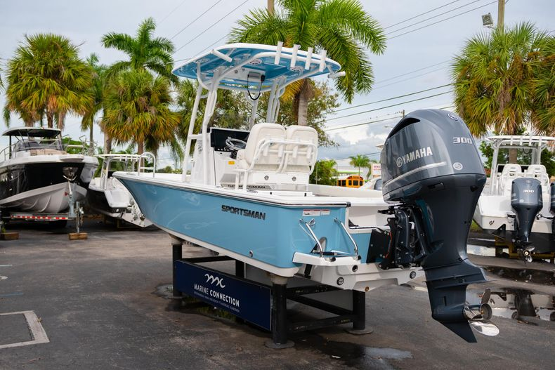 Thumbnail 5 for New 2020 Sportsman Masters 247 Bay Boat boat for sale in Vero Beach, FL