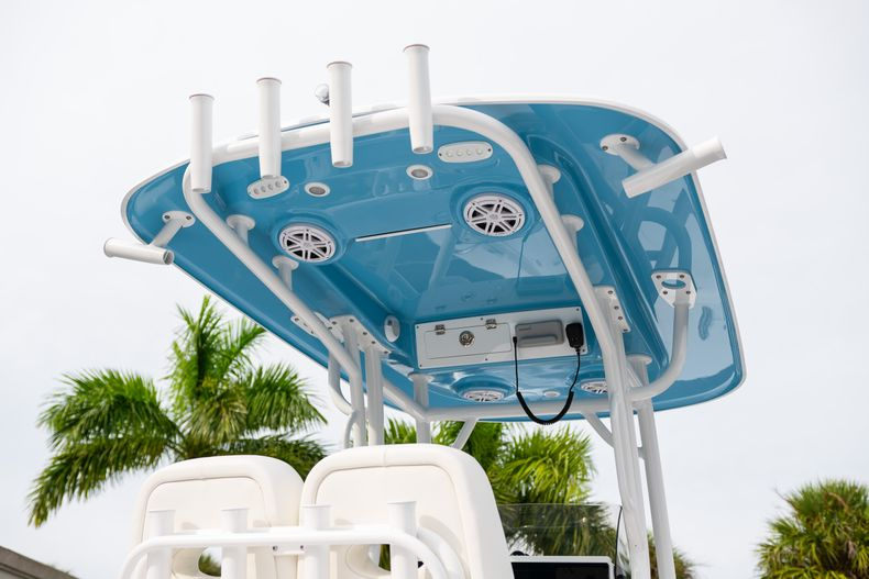 Thumbnail 8 for New 2020 Sportsman Masters 247 Bay Boat boat for sale in Vero Beach, FL