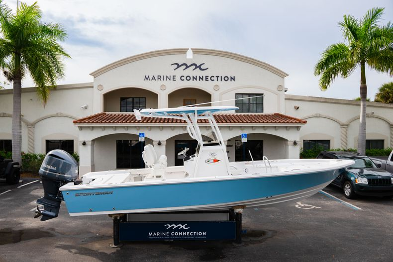 Thumbnail 0 for New 2020 Sportsman Masters 247 Bay Boat boat for sale in Vero Beach, FL