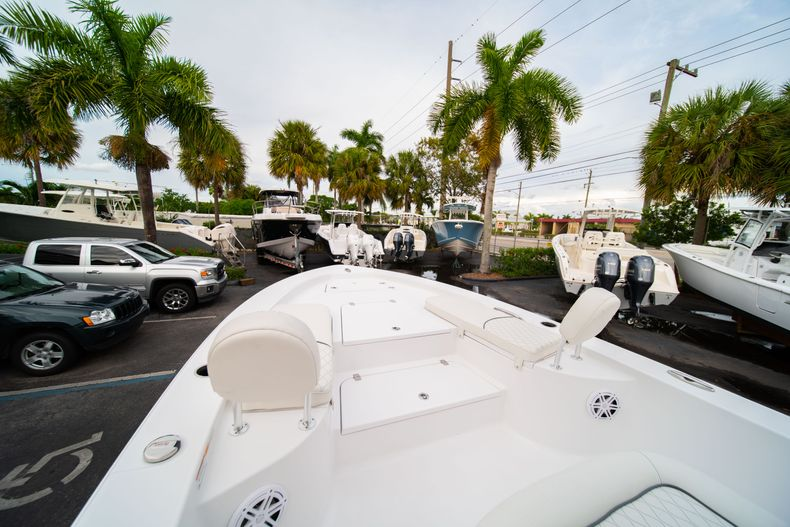 Thumbnail 32 for New 2020 Sportsman Masters 247 Bay Boat boat for sale in Vero Beach, FL