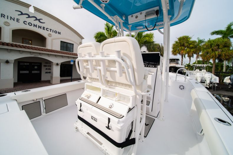 Thumbnail 15 for New 2020 Sportsman Masters 247 Bay Boat boat for sale in Vero Beach, FL