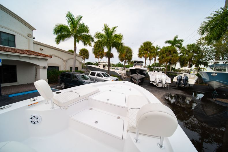 Thumbnail 29 for New 2020 Sportsman Masters 247 Bay Boat boat for sale in Vero Beach, FL