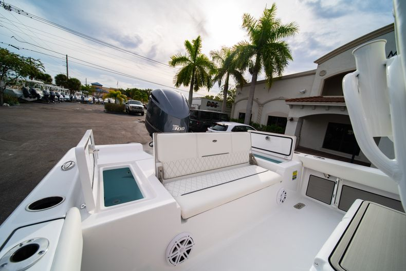 Thumbnail 10 for New 2020 Sportsman Masters 247 Bay Boat boat for sale in Vero Beach, FL