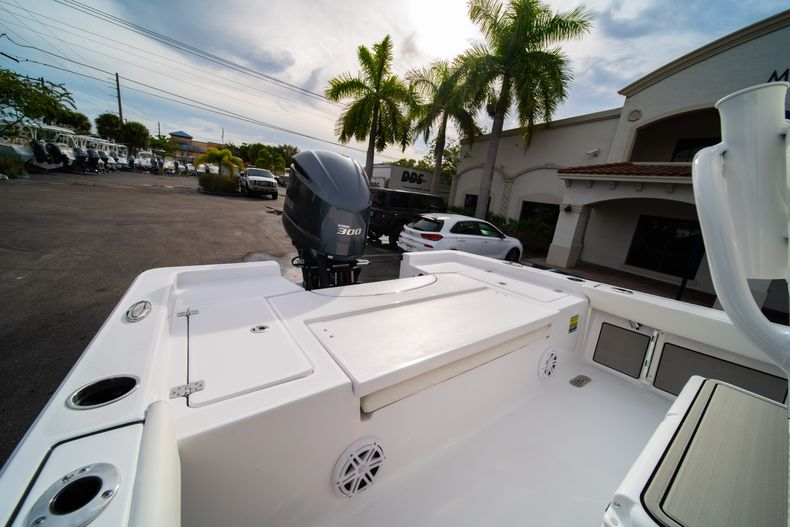 Thumbnail 9 for New 2020 Sportsman Masters 247 Bay Boat boat for sale in Vero Beach, FL