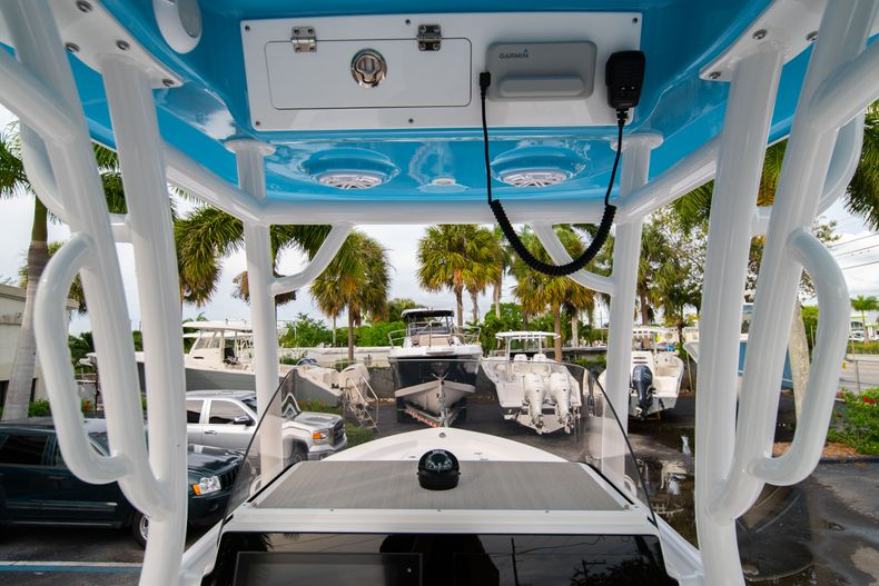 Thumbnail 21 for New 2020 Sportsman Masters 247 Bay Boat boat for sale in Vero Beach, FL