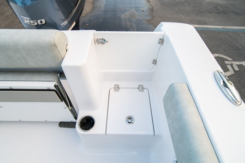Thumbnail 15 for New 2020 Sportsman Open 232 Center Console boat for sale in Vero Beach, FL