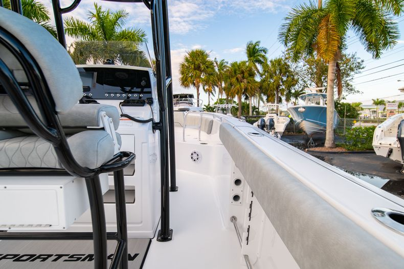 Thumbnail 17 for New 2020 Sportsman Open 232 Center Console boat for sale in Vero Beach, FL