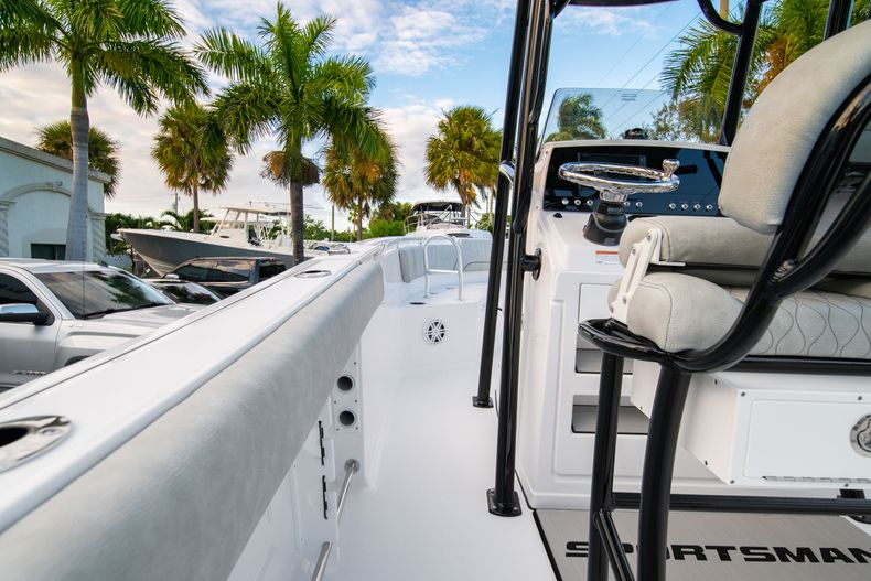 Thumbnail 20 for New 2020 Sportsman Open 232 Center Console boat for sale in Vero Beach, FL