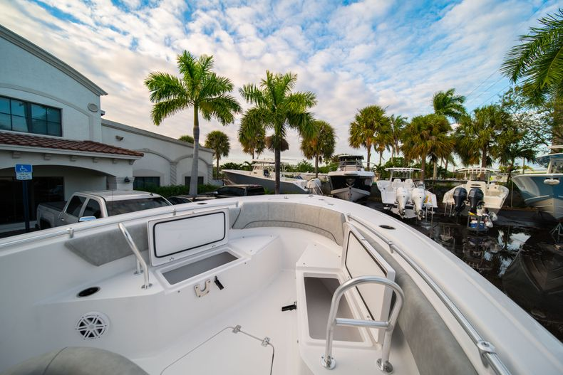 Thumbnail 35 for New 2020 Sportsman Open 232 Center Console boat for sale in Vero Beach, FL
