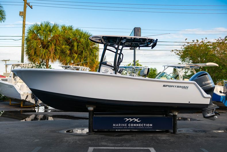 Thumbnail 4 for New 2020 Sportsman Open 232 Center Console boat for sale in Vero Beach, FL