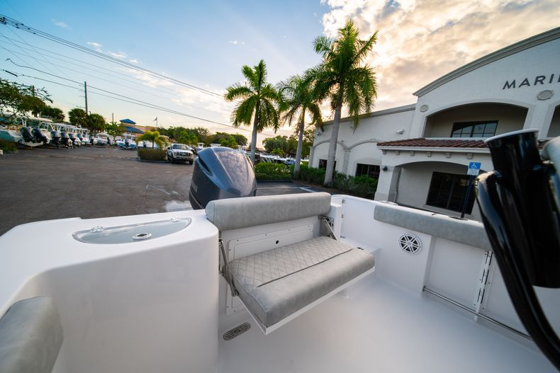 Thumbnail 10 for New 2020 Sportsman Open 232 Center Console boat for sale in Vero Beach, FL