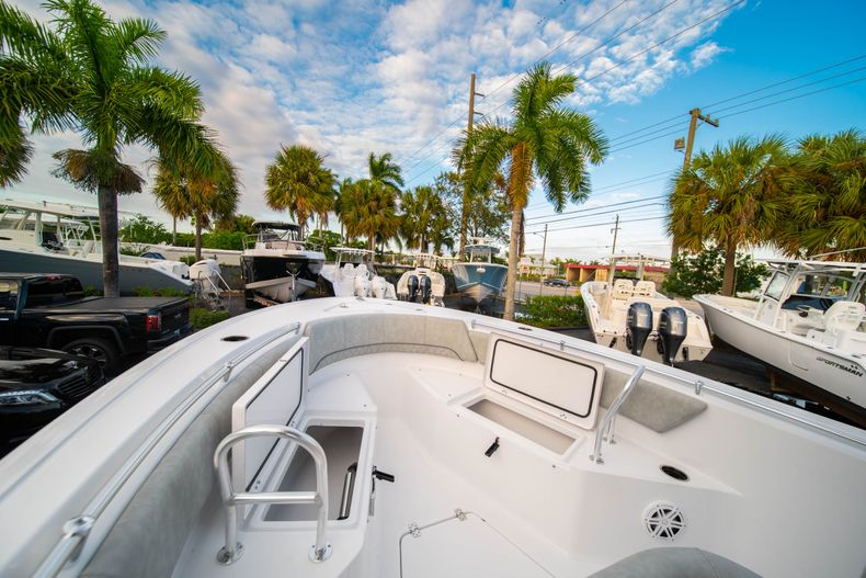 Thumbnail 38 for New 2020 Sportsman Open 232 Center Console boat for sale in Vero Beach, FL
