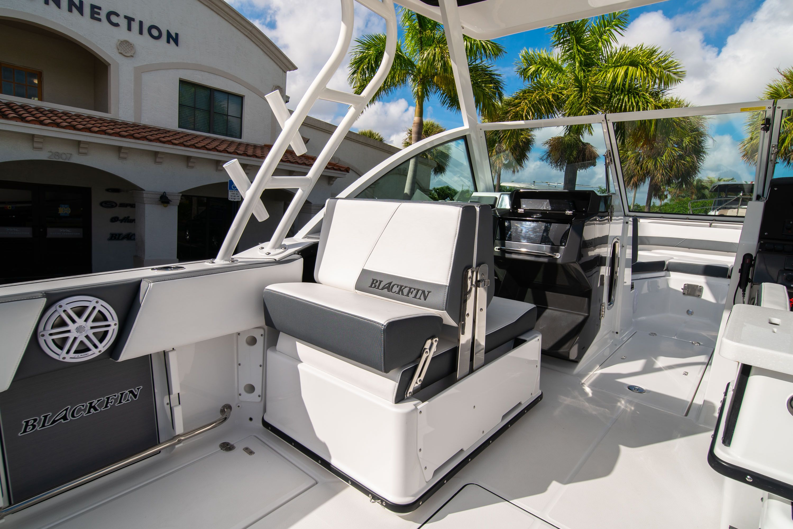 Thumbnail 27 for New 2020 Blackfin 242DC Dual Console boat for sale in West Palm Beach, FL