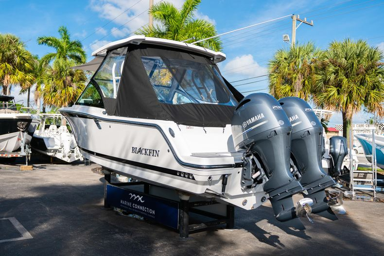 Thumbnail 9 for New 2020 Blackfin 242DC Dual Console boat for sale in West Palm Beach, FL