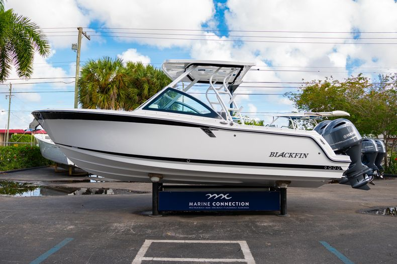 Thumbnail 5 for New 2020 Blackfin 242DC Dual Console boat for sale in West Palm Beach, FL