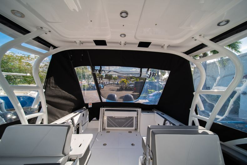 Thumbnail 15 for New 2020 Blackfin 242DC Dual Console boat for sale in West Palm Beach, FL
