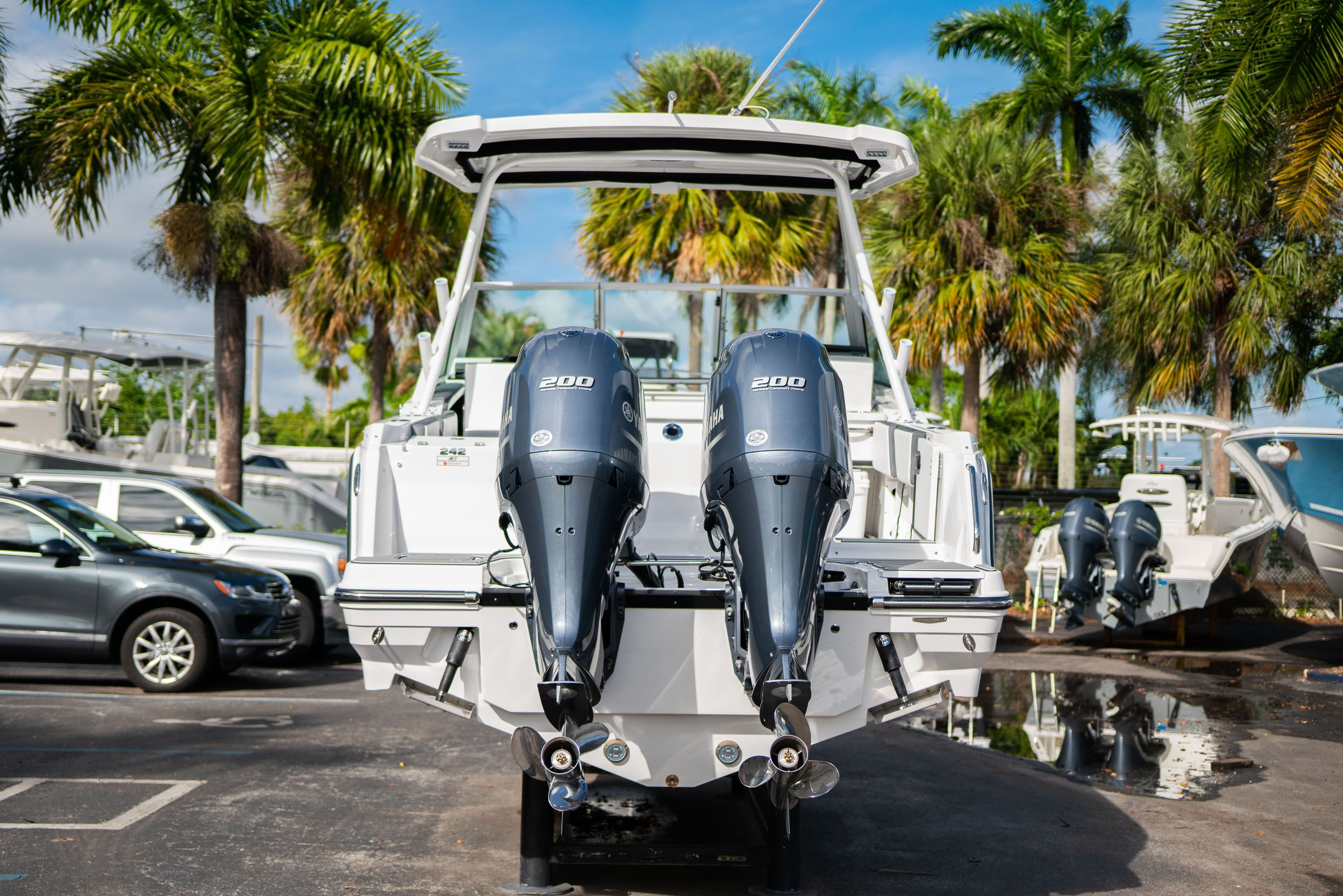 Thumbnail 10 for New 2020 Blackfin 242DC Dual Console boat for sale in West Palm Beach, FL