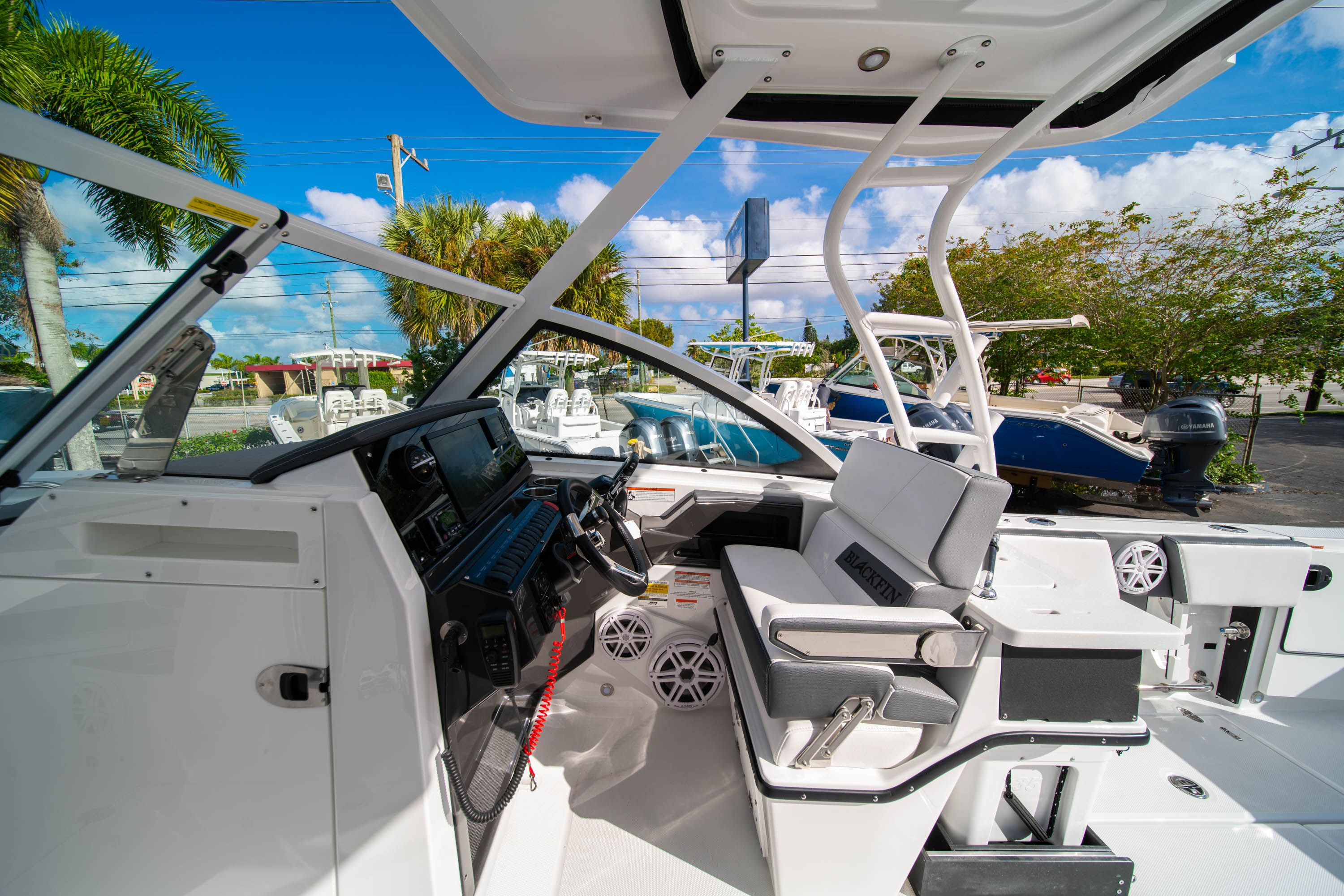 Thumbnail 34 for New 2020 Blackfin 242DC Dual Console boat for sale in West Palm Beach, FL