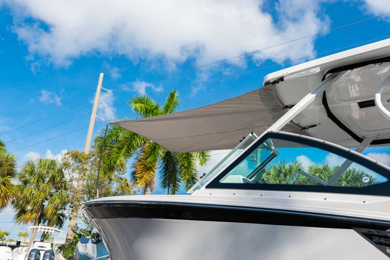 Thumbnail 7 for New 2020 Blackfin 242DC Dual Console boat for sale in West Palm Beach, FL