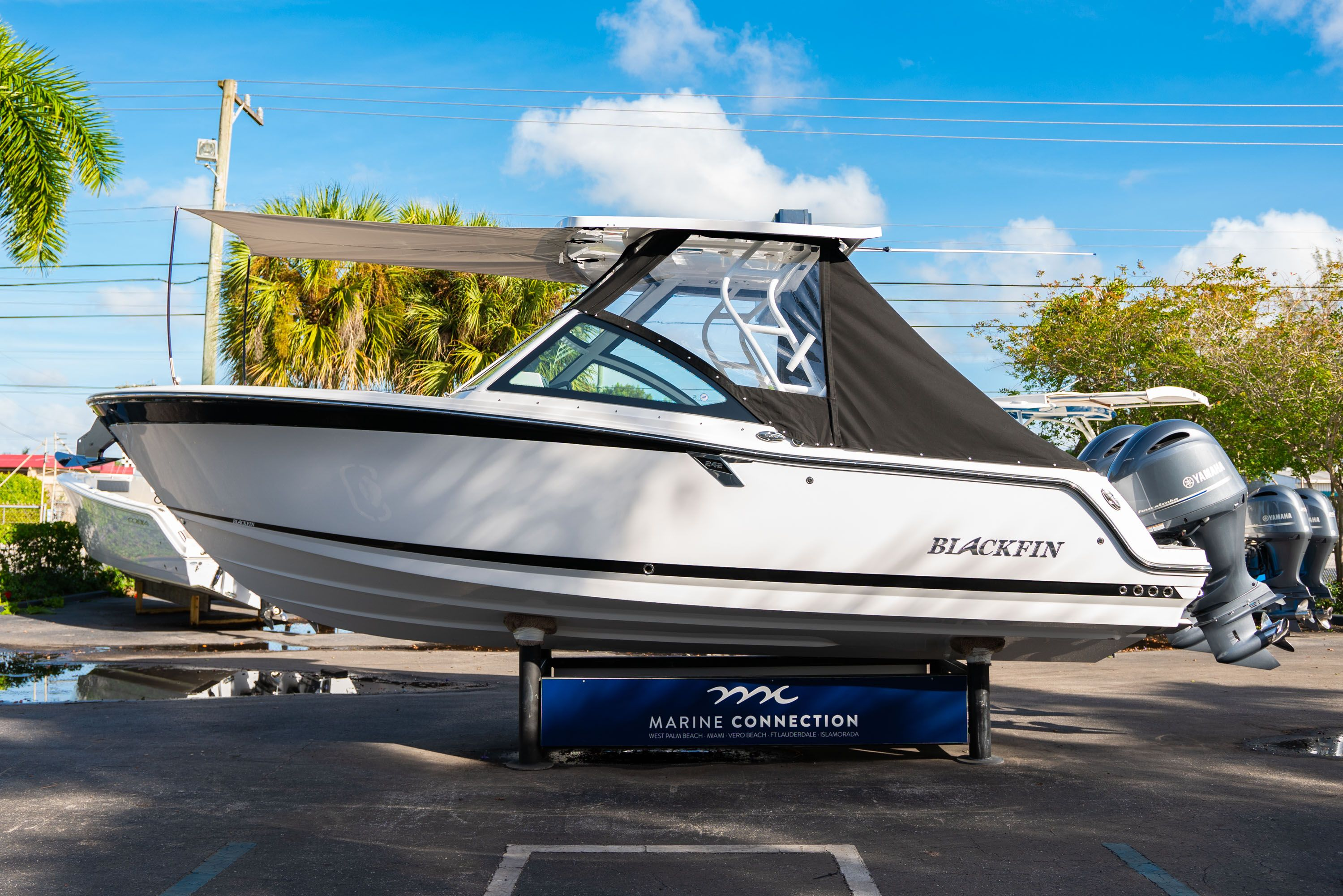 Thumbnail 6 for New 2020 Blackfin 242DC Dual Console boat for sale in West Palm Beach, FL