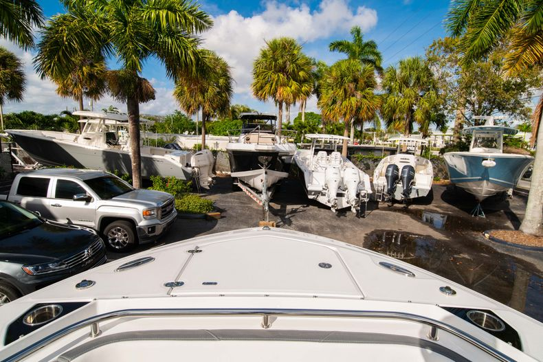 Thumbnail 44 for New 2020 Blackfin 242DC Dual Console boat for sale in West Palm Beach, FL