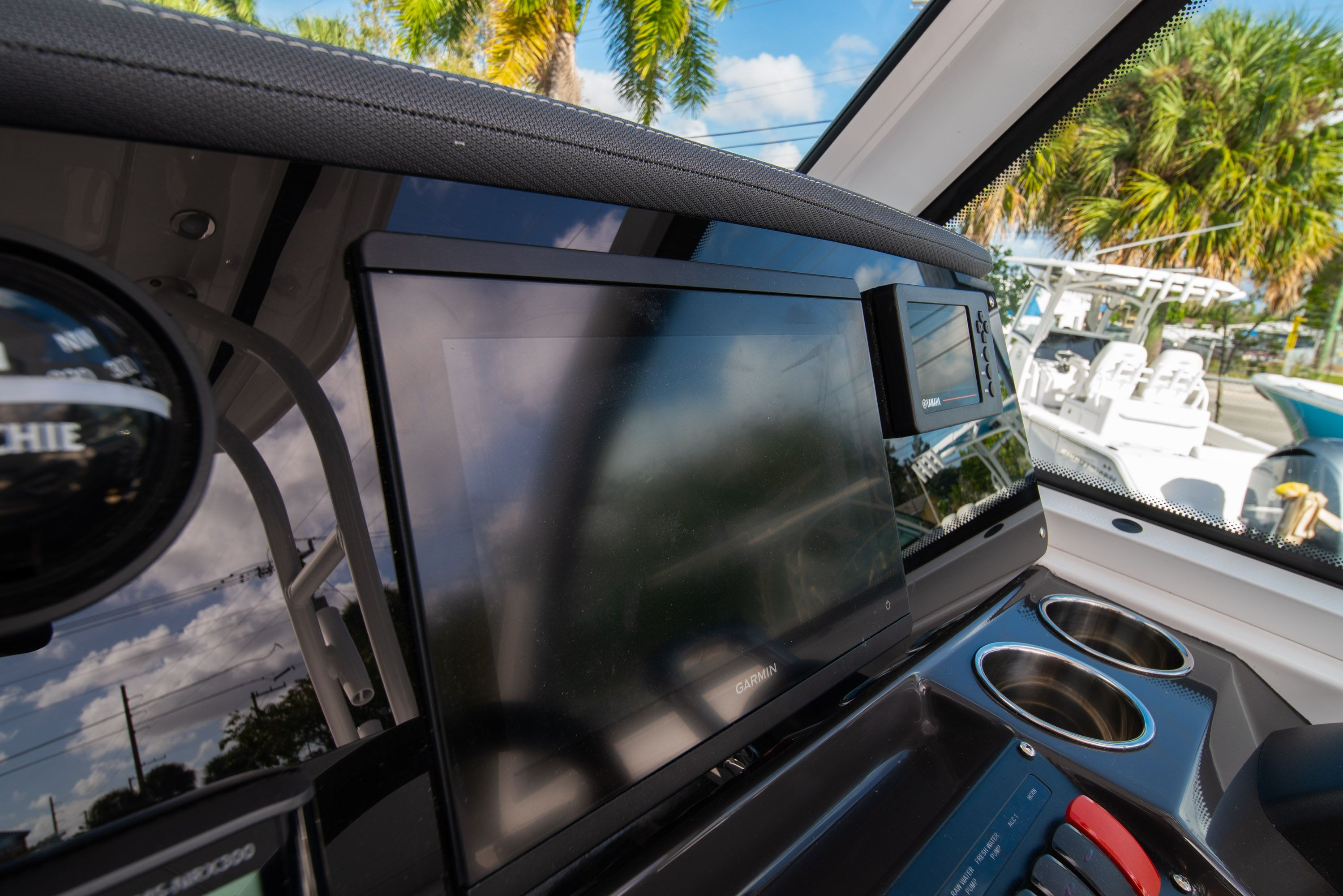 Thumbnail 32 for New 2020 Blackfin 242DC Dual Console boat for sale in West Palm Beach, FL
