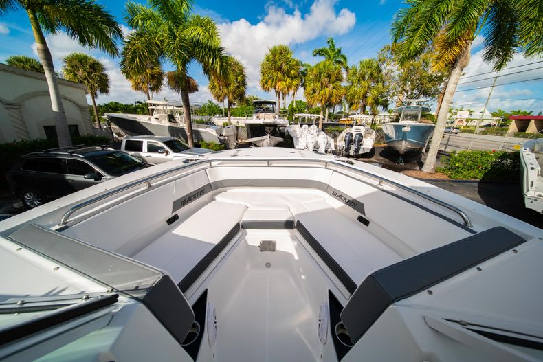 Thumbnail 42 for New 2020 Blackfin 242DC Dual Console boat for sale in West Palm Beach, FL