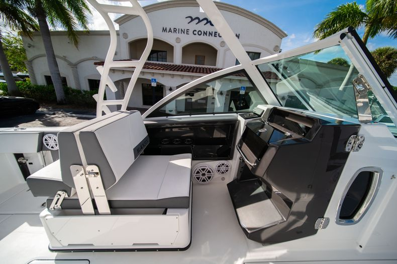 Thumbnail 39 for New 2020 Blackfin 242DC Dual Console boat for sale in West Palm Beach, FL