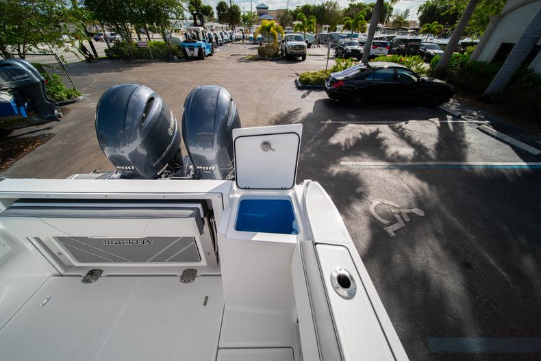 Thumbnail 24 for New 2020 Blackfin 242DC Dual Console boat for sale in West Palm Beach, FL