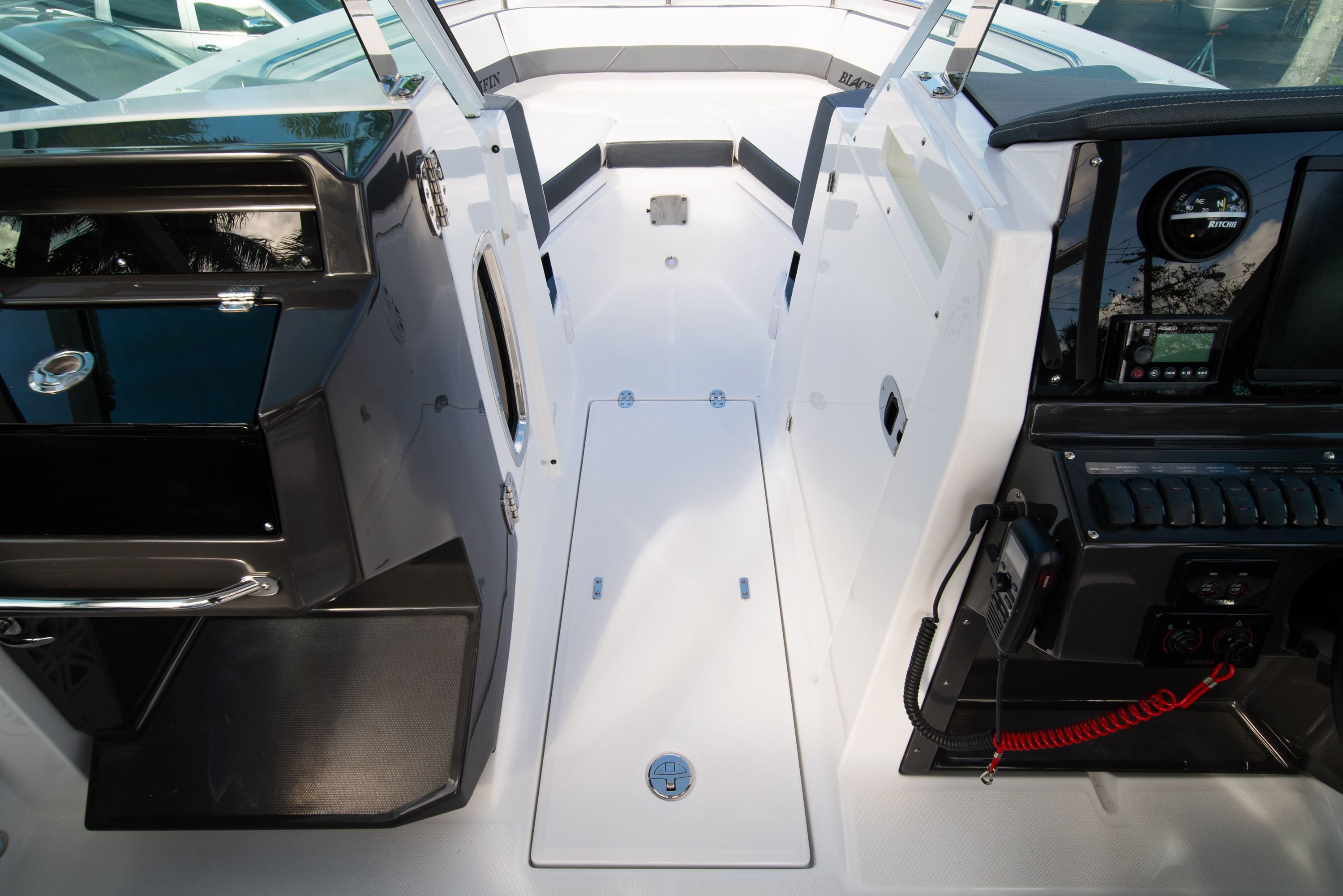 Thumbnail 40 for New 2020 Blackfin 242DC Dual Console boat for sale in West Palm Beach, FL
