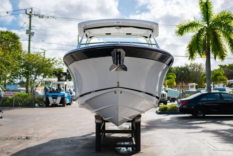 Thumbnail 2 for New 2020 Blackfin 242DC Dual Console boat for sale in West Palm Beach, FL