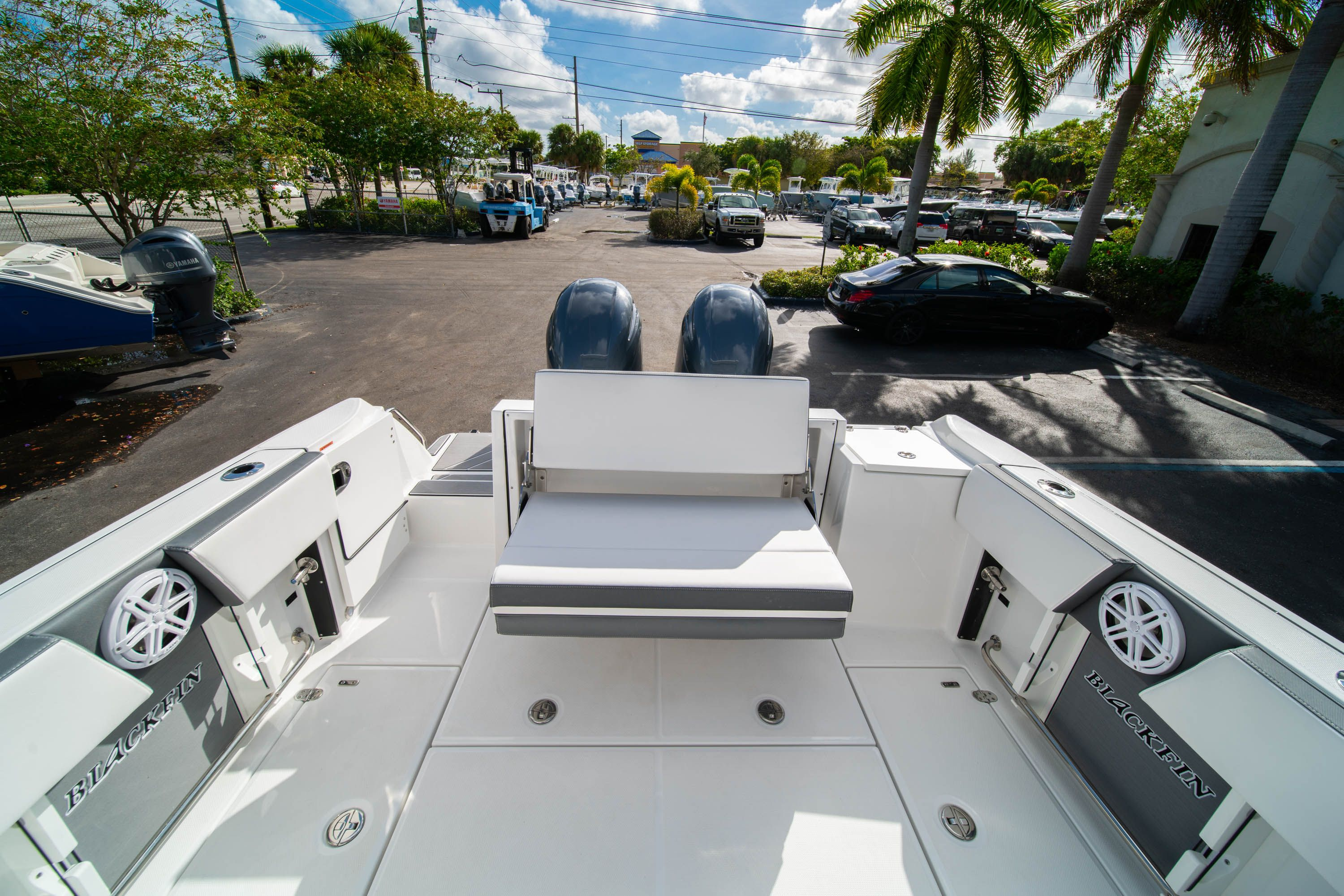 Thumbnail 17 for New 2020 Blackfin 242DC Dual Console boat for sale in West Palm Beach, FL