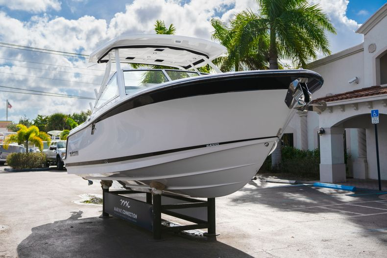 Thumbnail 1 for New 2020 Blackfin 242DC Dual Console boat for sale in West Palm Beach, FL
