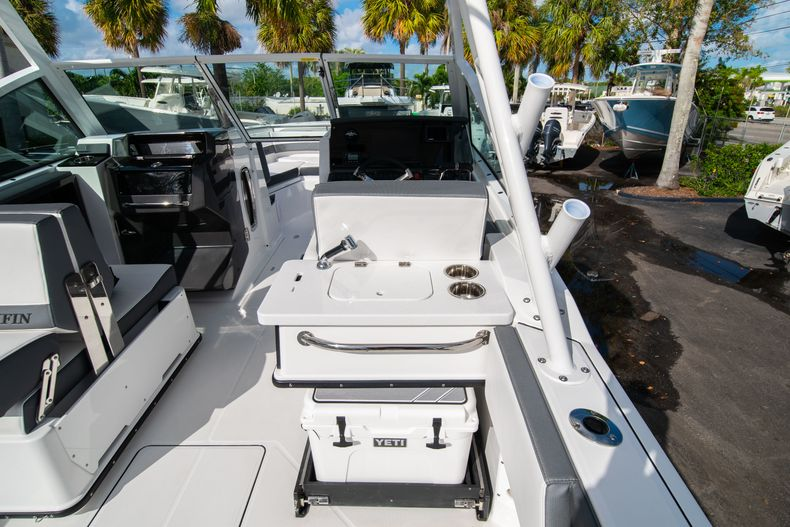 Thumbnail 25 for New 2020 Blackfin 242DC Dual Console boat for sale in West Palm Beach, FL