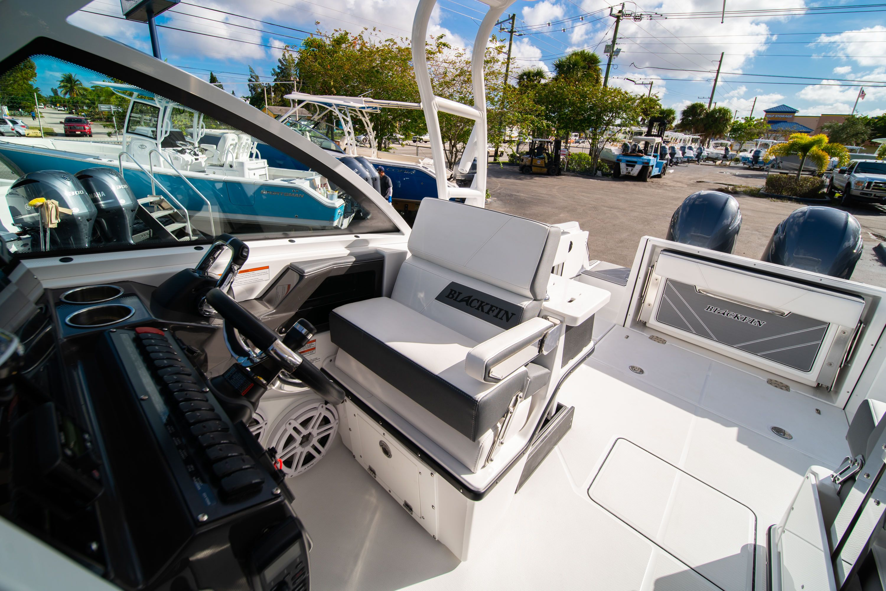Thumbnail 35 for New 2020 Blackfin 242DC Dual Console boat for sale in West Palm Beach, FL