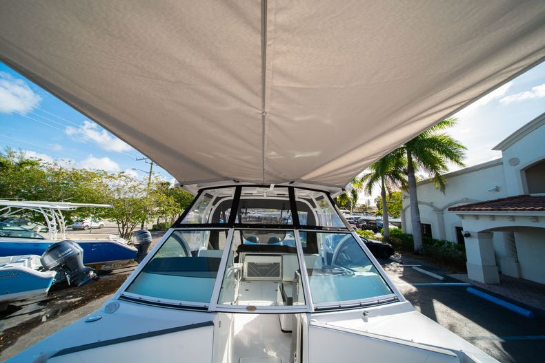 Thumbnail 46 for New 2020 Blackfin 242DC Dual Console boat for sale in West Palm Beach, FL