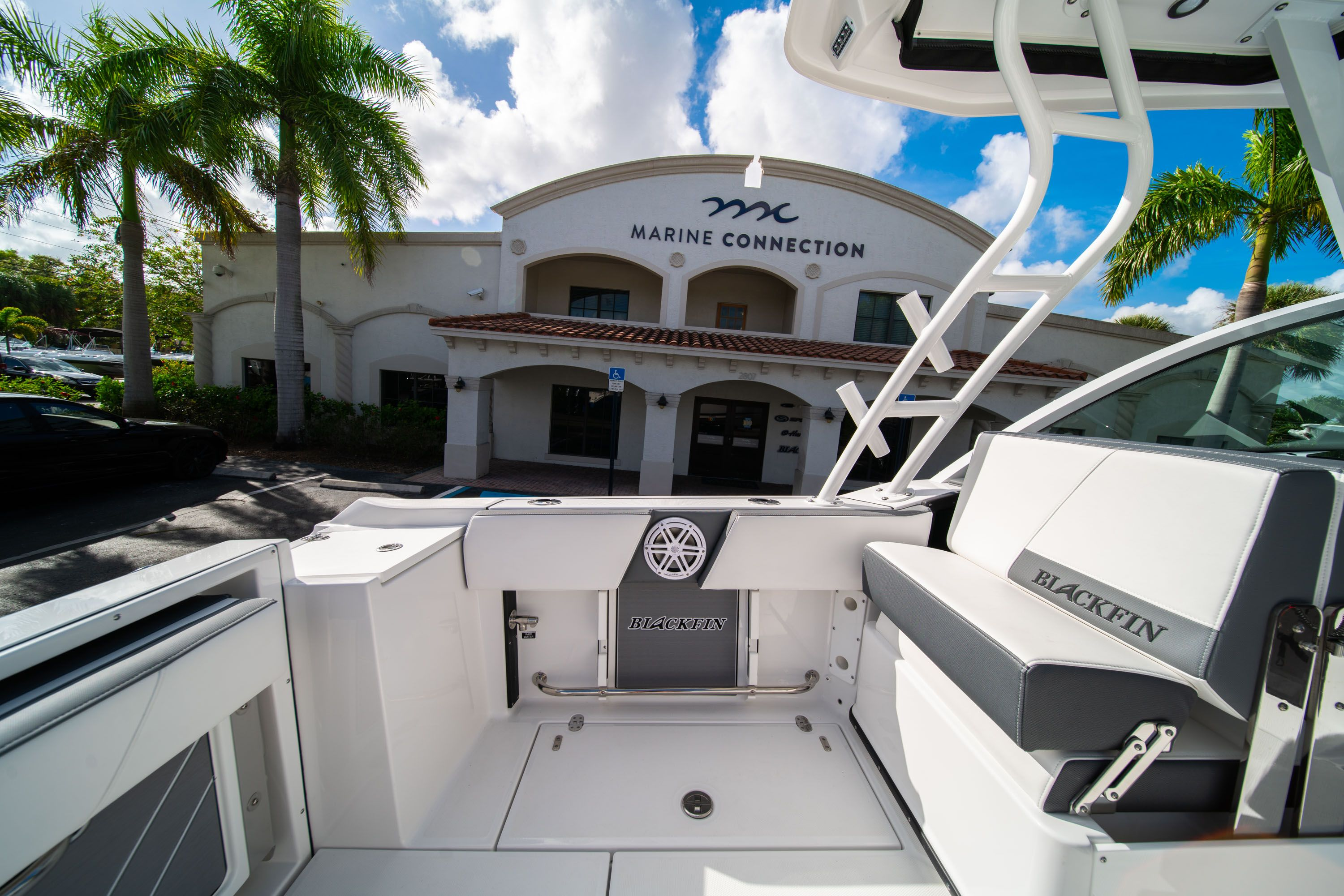 Thumbnail 21 for New 2020 Blackfin 242DC Dual Console boat for sale in West Palm Beach, FL