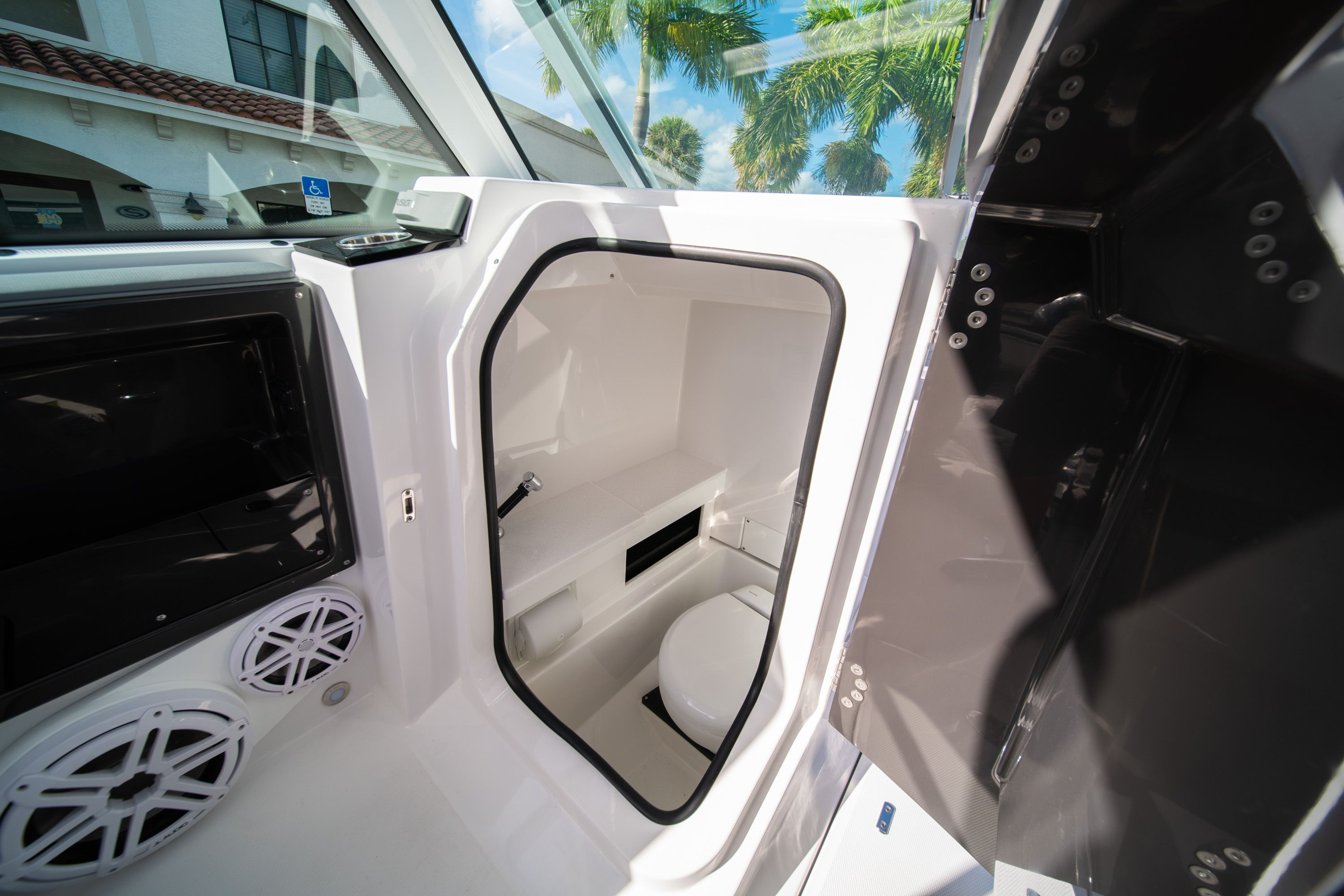 Thumbnail 38 for New 2020 Blackfin 242DC Dual Console boat for sale in West Palm Beach, FL
