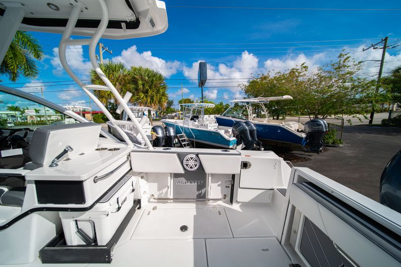 Thumbnail 19 for New 2020 Blackfin 242DC Dual Console boat for sale in West Palm Beach, FL