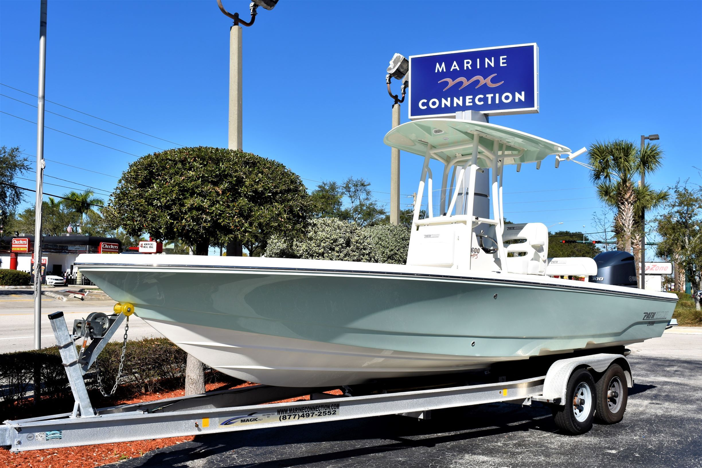 Thumbnail 1 for New 2020 Pathfinder 2600 HPS Bay Boat boat for sale in Vero Beach, FL