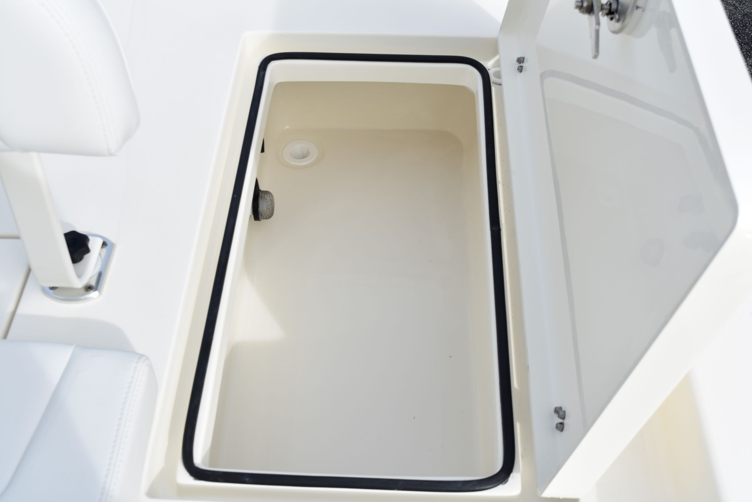 Thumbnail 29 for New 2020 Pathfinder 2600 HPS Bay Boat boat for sale in Vero Beach, FL