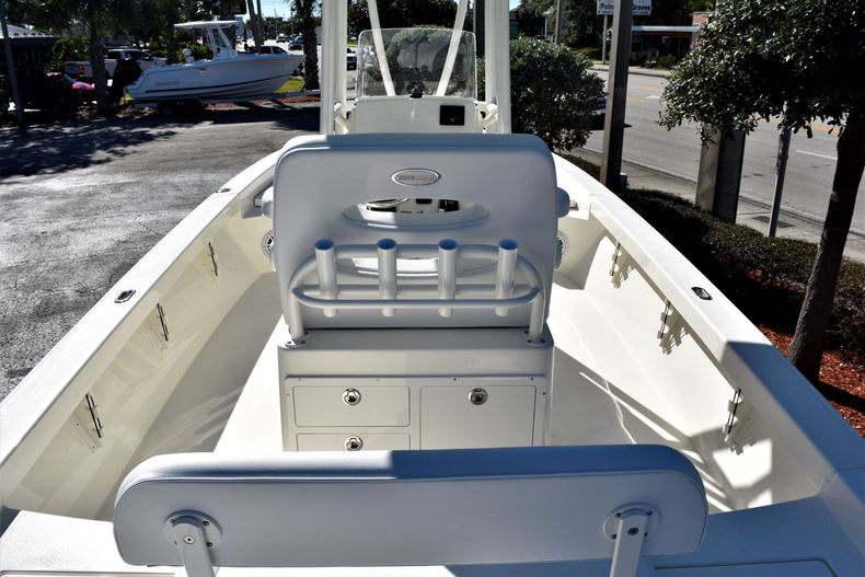 Thumbnail 11 for New 2020 Pathfinder 2600 HPS Bay Boat boat for sale in Vero Beach, FL
