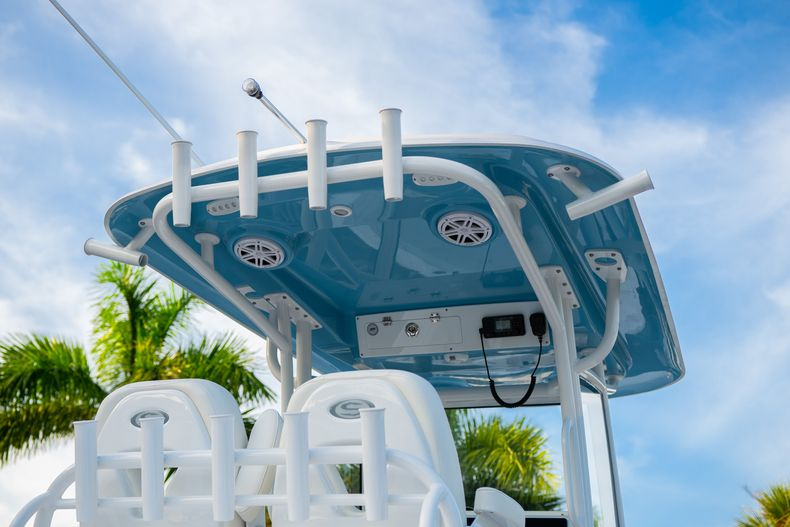 Thumbnail 9 for New 2020 Sportsman Open 282 Center Console boat for sale in Stuart, FL
