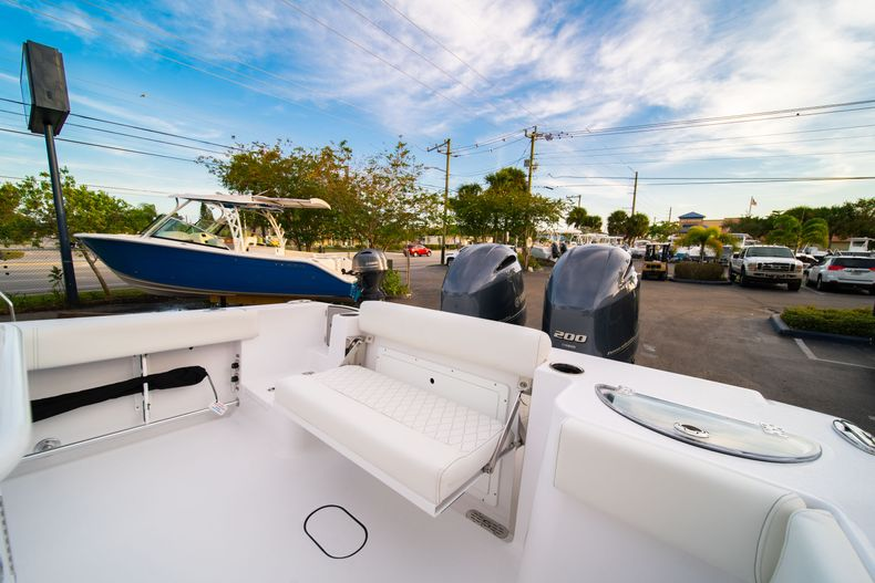 Thumbnail 15 for New 2020 Sportsman Open 282 Center Console boat for sale in Stuart, FL