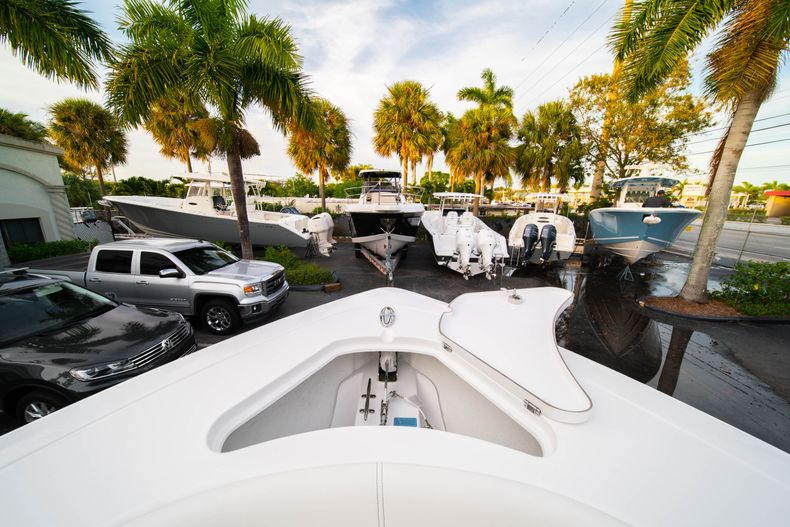 Thumbnail 52 for New 2020 Sportsman Open 282 Center Console boat for sale in Stuart, FL